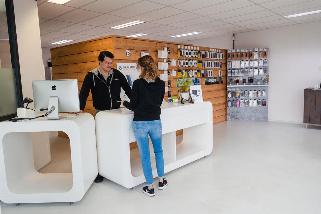Service iRepairCentre Almere
